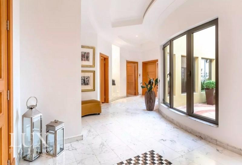 Signature Villas Frond M, Palm Jumeirah, Dubai image 3