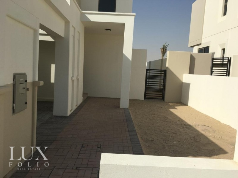 Hayat Townhouses, Town Square, Dubai image 2