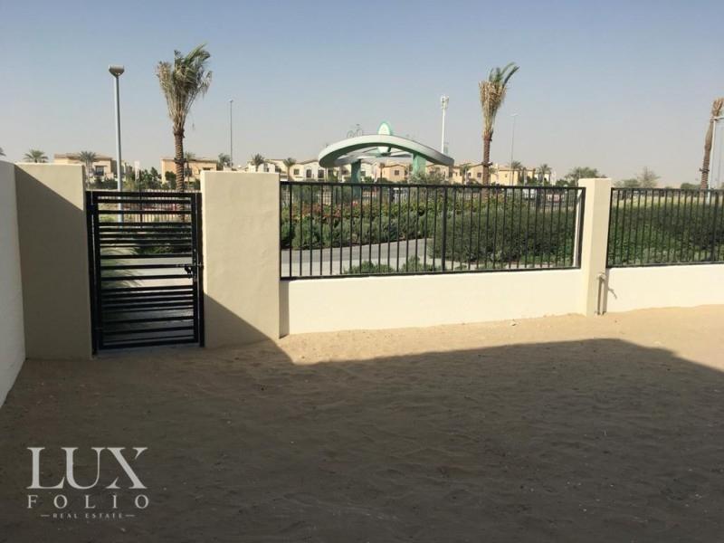 Hayat Townhouses, Town Square, Dubai image 3