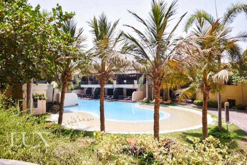 Anantara Residences, Palm Jumeirah, Dubai image 0