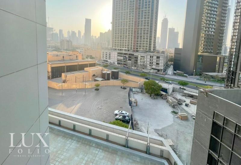 Burj Al Nujoom, Downtown Dubai, Dubai image 2