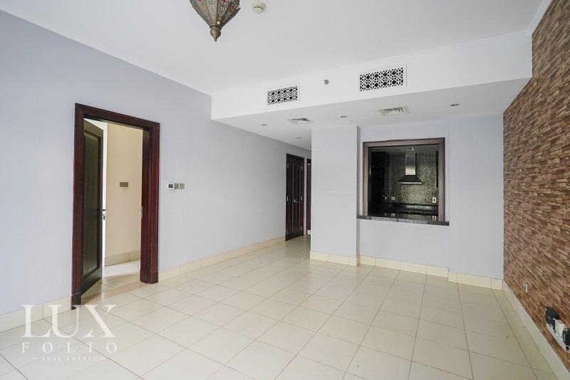 Zaafaran 3, Old Town, Dubai image 1