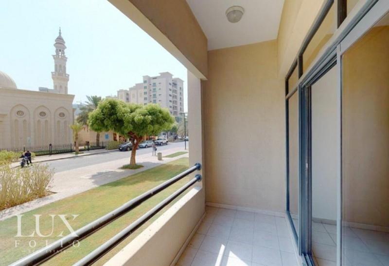 Views 1, Greens, Dubai image 1