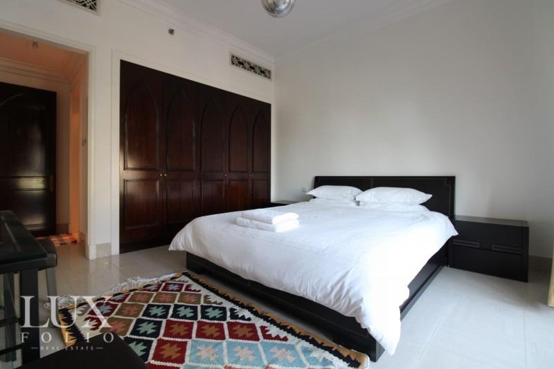 Al Tajer Residence, Old Town, Dubai image 4